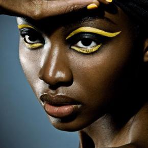 018-Kate-Johns-Make-up-Artist-Lumious-Skin-Yellow-Eyeliner-beauty1