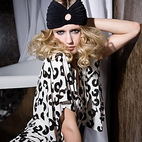 020-Kate-Johns-Make-up-Artist-Elite-Luxury-Fashion-2