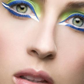 026-Kate-Johns-Make-up-Artist-Green-Eyeshadow-Blue-Eyeliner-beauty1