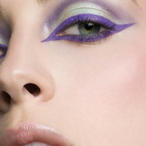 027-Kate-Johns-Make-up-Artist-Purple-Eyeliner-beauty1