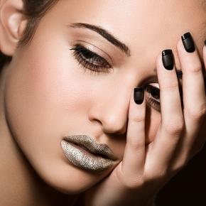 042-Kate-Johns-Make-up-Artist-Silver-Lips-beauty