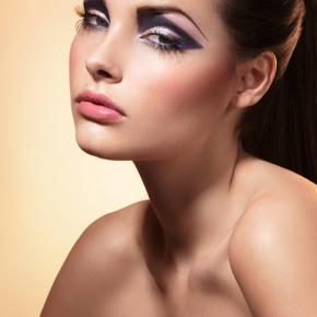 044-Kate-Johns-Make-up-Artist-Triangle-Socket-beauty